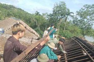 97 nhà dân bị hư hỏng, tốc mái do giông lốc