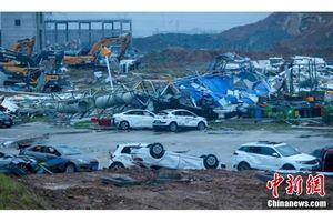 Vũ Hán xuất hiện lốc xoáy cấp 9, sáu người chết