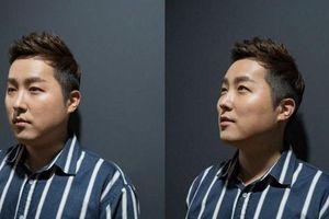 Ca sĩ nhạc trot Kwon Do Woon công khai hạnh phúc bên người yêu đồng giới