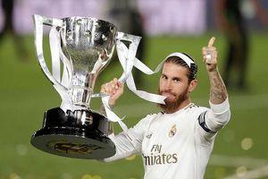 Cup vô địch sẽ được trao cho tân vương La Liga ra sao?