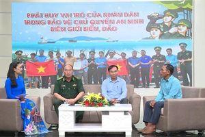 Mỗi hải trình xa khơi của ngư dân Phú Yên, luôn có sự đồng hành của người lính Biên phòng