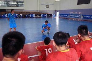 Futsal Việt Nam loại 5 cầu thủ trước khi sang UAE