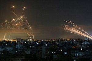 Iron Dome chống lại tên lửa Hamas