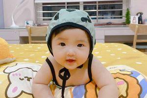 Trót cho Winnie diện đồ bơi khoe bụng tròn, stylist Đông Nhi vội vàng bào chữa 'cứu nguy'