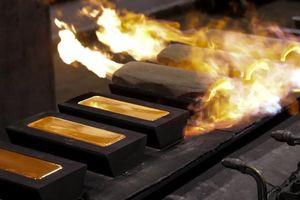 Cuối tuần, giá vàng tăng vọt theo thế giới