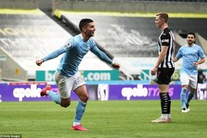 Kết quả Ngoại Hạng Anh: Man City thắng kịch tính Newcastle