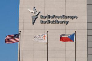 Nga đóng băng tài khoản của đài Mỹ