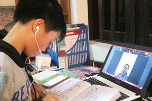 Trường học đủ điều kiện được tổ chức kiểm tra định kỳ theo hình thức trực tuyến