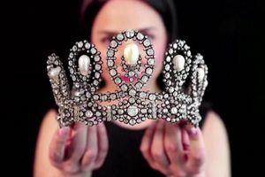 Vương miện hoàng gia Italy được bán với giá 1,6 triệu USD