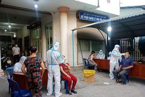 Đà Nẵng: Xuyên đêm xét nghiệm gần 1.000 người liên quan chủ quán bún mắc Covid-19