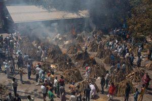 Người dân Ấn Độ oằn mình gánh chi phí tang lễ tăng theo cấp số nhân