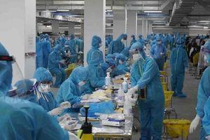 200 nhân viên y tế tình nguyện từ Quảng Ninh xuyên đêm về Bắc Giang thần tốc lấy mẫu xét nghiệm