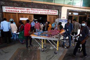Số ca nhiễm trong ngày ở Ấn Độ vẫn trên 300.000 ca