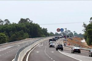 Phạt nặng xe chở hàng vượt tải trọng trên cao tốc Đà Nẵng – Quảng Ngãi