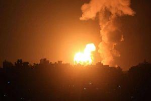 Tên lửa Hamas từ Dải Gaza dội thẳng vào Tel Aviv, còi báo động hú vang