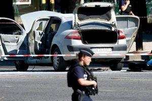 Sau quân nhân, 93 cựu cảnh sát gửi thư lên Tổng thống Pháp vì lo nội chiến