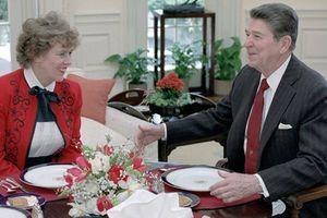Cựu Cố vấn của Tổng thống Mỹ Regan gửi đơn xin ông Putin cấp quốc tịch Nga