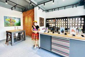 Xuất hiện cửa hàng Apple phong cách thổ cẩm đầu tiên tại Việt Nam