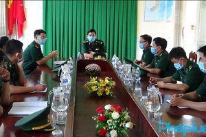 Chính ủy Bộ đội Biên phòng tỉnh Kiên Giang kiểm tra công tác bầu cử ở các đơn vị