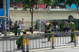 Truy bắt kẻ đâm chết tài xế xe ôm trước cổng bệnh viện ở Sài Gòn