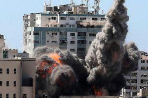 Cuộc không kích của Israel san phẳng tòa cao ốc ở dải Gaza
