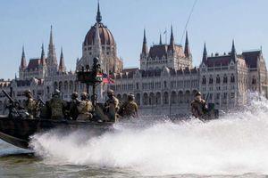 Bài tập chiến thuật của đặc nhiệm Mỹ tại khu vực chiến lược gần Nga