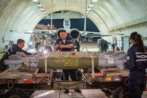 Chiến đấu cơ hạng nặng Israel gắn đầy bom nhằm thẳng dải Gaza xuất kích
