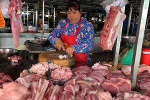 Thịt lợn vẫn đắt đỏ dù giá lợn hơi giảm sâu