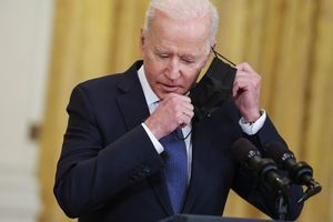 Quyết định đột ngột hé lộ sự lúng túng của chính quyền ông Biden