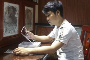 Chàng trai Hà Nội thổi hồn Việt vào đèn giấy 3D