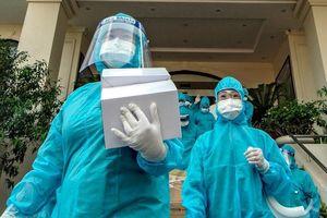 Yên Bái cử đoàn cán bộ y tế hỗ trợ Bắc Giang chống dịch