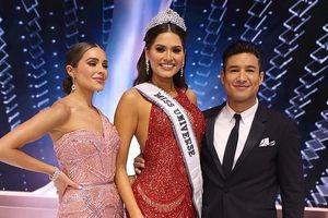 Hoa hậu Olivia Culpo bị chê khi dẫn chung kết Miss Universe