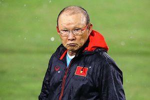HLV Park yêu cầu học trò không vào bóng nguy hiểm