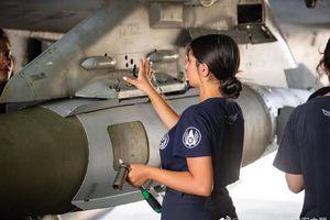 Không quân Israel sử dụng máy bay nào và bom gì để đánh Hamas?