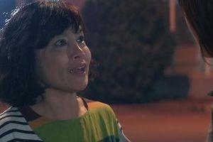 Showbiz 17/5: Bà Bích trên phim 'Hương vị tình thân' chí chóe suốt, ngoài đời thì sao?