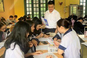 Thầy giáo Lương Trường Xuân có duyên với danh hiệu thủ khoa