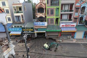 Hà Nội: Cơ bản hoàn thành việc khắc phục sự cố sụt lún đất tại xã Quảng Bị