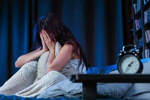 Mất ngủ, trằn trọc giữa đêm có thể cảnh báo bạn đang gặp vấn đề sức khỏe nghiêm trọng