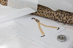 Chiếc áo tiếp nối di sản của Dior