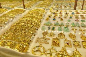 Đầu tuần, giá vàng tăng 130.000 đồng mỗi lượng