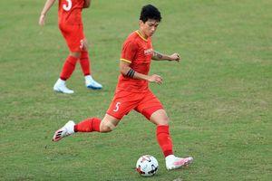 Đội tuyển Việt Nam tăng tốc chuẩn bị, Quang Hải phải tập riêng