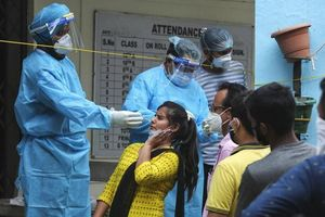 Ấn Độ báo số nhiễm mới giảm, lo ngại bỏ lọt dịch ở nông thôn
