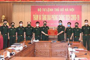 Bộ Tư lệnh Thủ đô Hà Nội tặng Bộ Tư lệnh Quân khu 1 vật tư y tế để phòng, chống dịch Covid-19