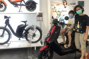 Thách thức về chuyển đổi xe máy điện ở Jakarta