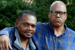 Hai anh em người Mỹ gốc Phi được đền bù 84 triệu USD do bị tù oan 31 năm vì tội hiếp dâm