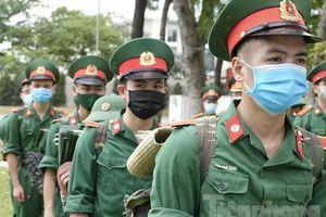 Bộ Quốc phòng chi viện thêm 'chiến binh' Quân y tới Bắc Ninh