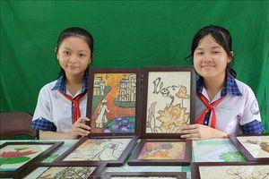 Độc đáo Dự án 'Tranh gạo và hướng phát triển' của hai nữ sinh Cần Thơ