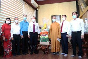 Bí thư Thành ủy TP Hồ Chí Minh thăm, chúc mừng tại các cơ sở Phật giáo