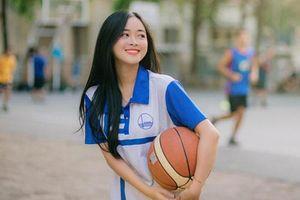 Cô gái dân tộc Nùng xinh đẹp là mẫu ảnh, mơ ước làm MC