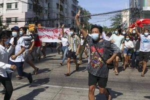 Bất ổn tại Myanmar: 802 người chết, hàng nghìn người tháo chạy khỏi Mindat